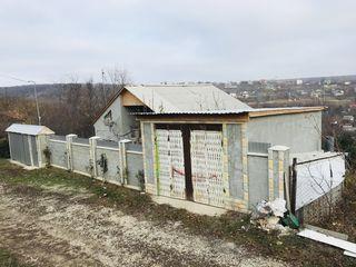 Casă Chisinau, Buiucani mai sus de Dumbrava, 5 km de la statia terminus 22
