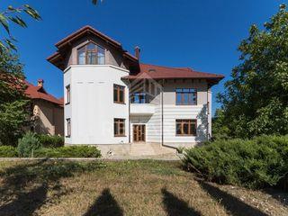 Se vinde casă, amplasată în sect. Centru, 415000 €