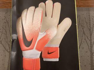 Новые перчатки Nike  Premier SGT ACC размер 8