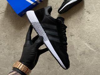 Adidas Marathon Black/White Unisex