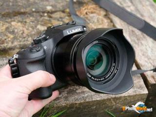 Panasonic Lumix DMC-FZ1000(Bridge 20.1MP 4K)- 350 euro(in magazin costa 1200 euro)