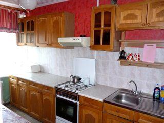 Apartamente in chirie. Armeneasca 53, et. 4, of. 8