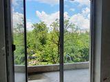 Super apartament 65 m.p. 2 camere, bucătărie+living variantă albă/ podea caldă de la companie!