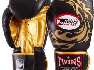 Боксерские перчатки Twins кожаные 10,12,14 O.Z в наличии (новые) !!!