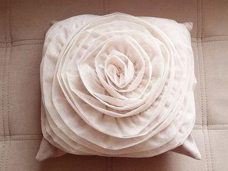 2 декоративные подушки