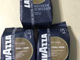 Cafea naturala Lavazza in boabe .
