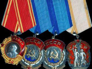Cumpar copeici, ruble SSSR, icoane, medalii, ordine, anticariat, vesela, monede din argint si aur