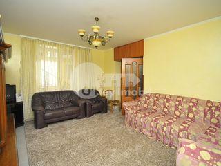 Apartament cu 2 nivele, str. Sciusev, Centru, 470 € !