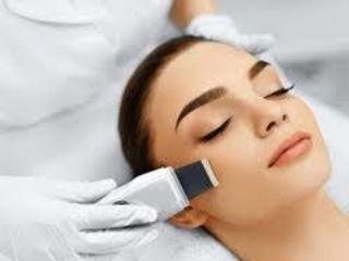 Recapătă prospețimea și strălucirea pielii feței prin curățarea cu ultrasunet însoțită de oxigenare