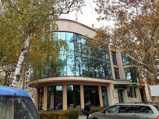 Spațiu comercial, bd. Moscovei, 195 mp + terasă, 3500 €