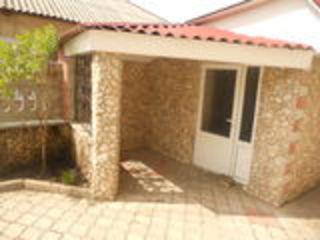 Se vinde casă de locuit cu 2 nivele in Ghindestiul nou, in centru, casa in stare buna.