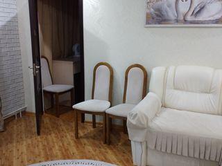Se vinde apartament cu 2 camere in centru,urgent !!