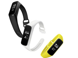 Фитнес браслеты Samsung Galaxy Fit