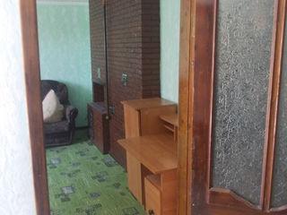 Продам дом в городе -бельцы или поменяю на квартиру  с доплатой или авто