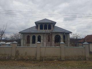 Porumbeni, casa in 2 nivele, la doar 10 km de Chisinau