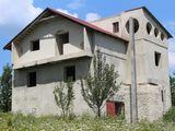 Casa la Suruceni