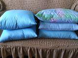 подушки пух, перо 50 на 70 см, 50 на 60 см.