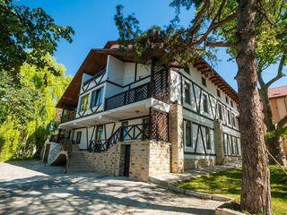 Chirie! Casă în 3 nivele! Botanica, str. Costiujeni, 6 odăi, 400 m2, Euroreparație!