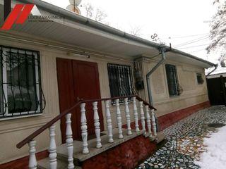 Продаю дом котельцовый в центре города 120 м. кв. + подвал 20 м. кв.