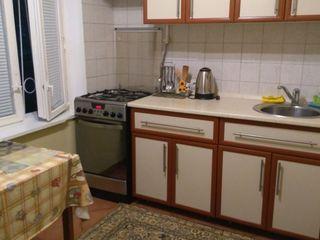 Centru, bd. Cuza Vodă. Apartament cu 1 camera 200 euro