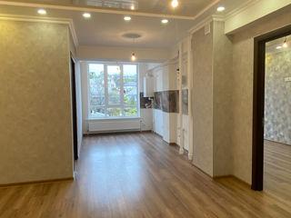 2 Комнатная квартира , Кухня + большой зал.  56 м2. 45500