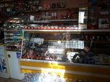 Продаётся магазин действующий  в Бельцах. срочно