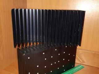 Radiatore din aluminiu, dimendiuni mari, pentru amplificator cala A. 3.3kg fiecare