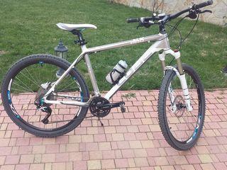 Vind bicicleta cube in stare foarte buna!!