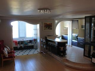 Элитный апартамент в новостройке со вторым этажом - (мансарда)