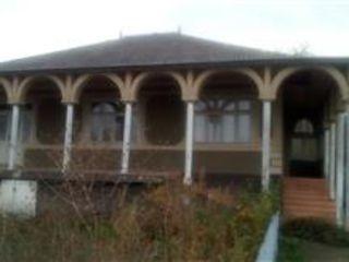 дом недорого, с погребом и летней кухней, есть трехфазный счетчик, водопровод и телефоная линия