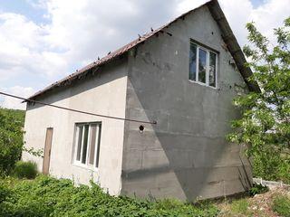 Casă la preț de garsonieră. 142 m2. Teren 18 ari. Dolinnoe, 9km de la Chișinău.