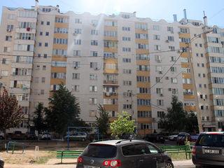 Riscani, str. A.Doga, 3 odai, 102 m.p. etajul 2 din 10