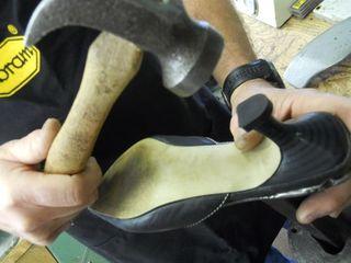 Ремонт обуви и сумок любои сложности