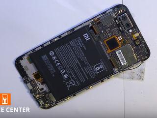 Xiaomi Mi 8 SE  Nu se încarcă smartphone-ul. Înlocuiți conectorul!