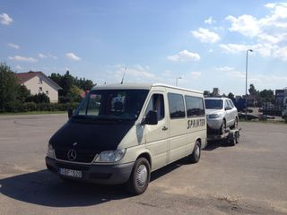 Transfer de automobile pe Traler Lituania Polonia Letonia Estonia Romania