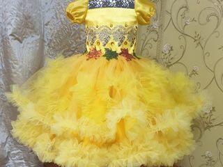 Pentru Toamna de Aur se dau în chirie rochițe la Buiucani