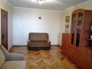 Apartment dotat cu mobila si tenica de 43,4 m.p. pe b-dul Dacia 50. Pret: 26 500 euro