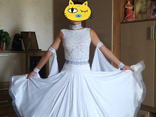 Платья для спортивно-бальных танцев.