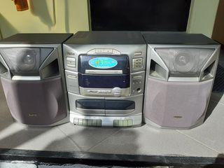 Centru muzical sanyo cu 3 discuri radio casete si pult starea ca noua