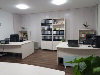 Set de mobilier pentru oficiu