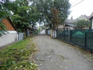 Участок в центре Кишинева под застройку. Торг!!!