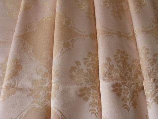 Ткань на платье, костюм,куртки, юбки и шторы.