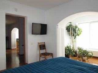 Casa la Ciocana Tohatin, 4 km de Chisinau cu doua intrari si ograzi separate, achitare in rate fara%