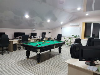 Încăpere 140 m2 - 550 euro.