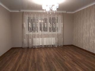 Продаю дом,в 200м от центра Заходите и живите