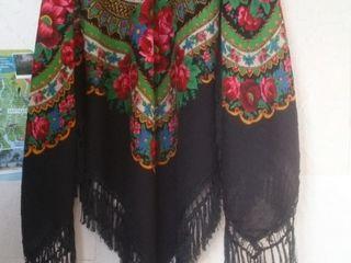 Шерстяной платок- шаль