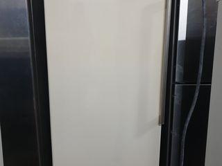 Congelator de vânzare