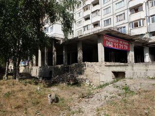 Московский пр-т. Первая линия! 1750 м2, 3 уровня