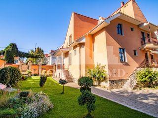 Casa - 2 niv, 3 camere, 380mp, sect. Botanica - 1700 euro