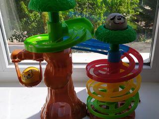 Разные игрушки для малышей